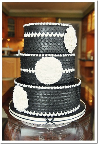 black and white cake2