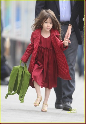 katie-holmes-suri-cruise-lion-king-broadway-20