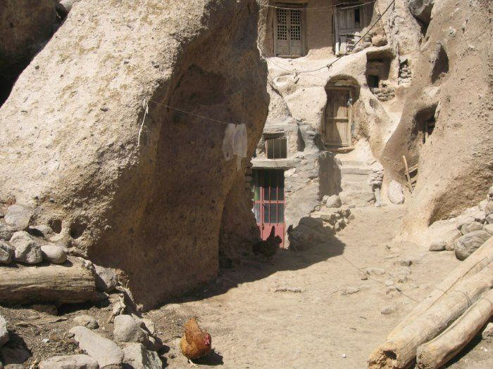 Troglodyte village in Iran 700 years old