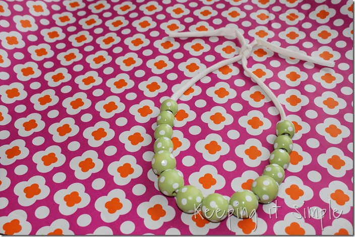 polka dot wooden beads necklace (7)