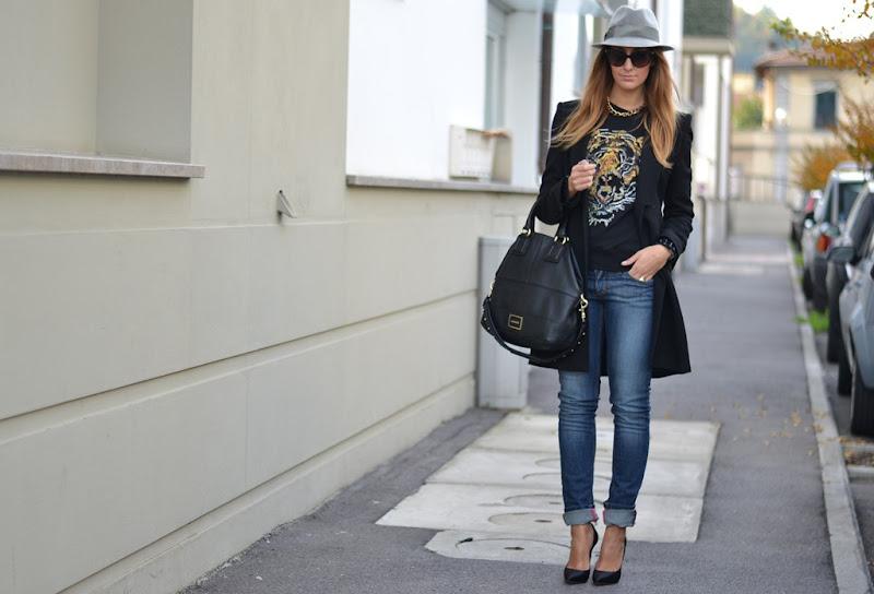 Borsalino, Hat, Borsalino hat, Valentino Sunglasses, Valentino, Pinko, Pinko tiger sweatshirt, Toy G, Toy G jeans, Casadei, Casadei Balde heels,Casadei shoes, High Heels, Fashion blogger, Fashion Blogger Firenze, Givenchy Bag, Givenchy Bugatti Bag