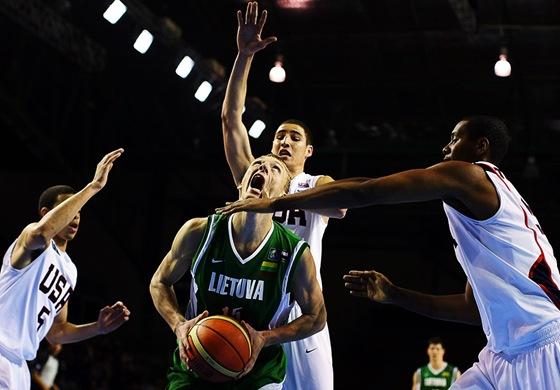 Кто лучше - американский баскетбол или европейский?