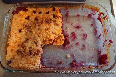 @mvemother Classic Dump Cake #recipes #cakes