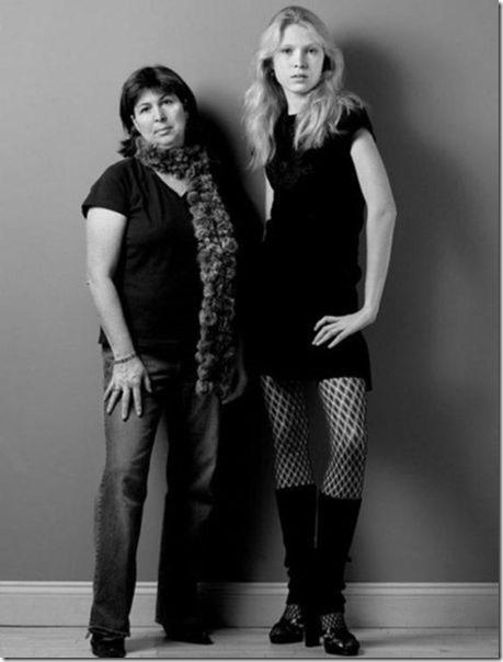 models-pose-moms-13