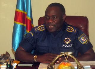 Gnral John Numbi, inspecteur gnral de la police congolaise dans son bureau,  Kinshasa, mai 2010.