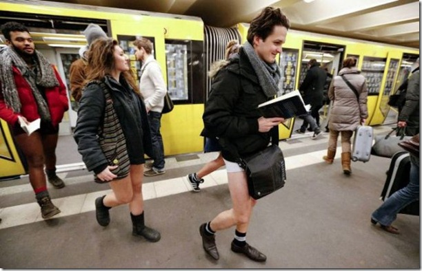 no-pants-subway-ride-16