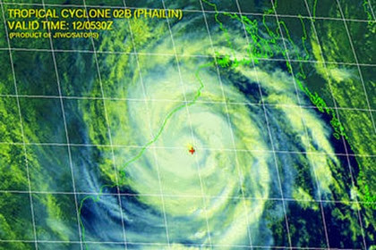 Cyclone-Phailin_full_380