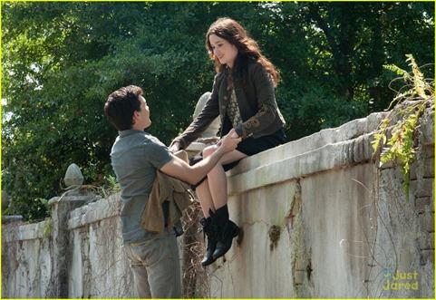 Ethan y Lena en lo que tal vez sea el jardín de Greenbier