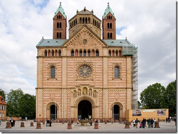 800px-Speyer---Cathedral---West-View---(Gentry)