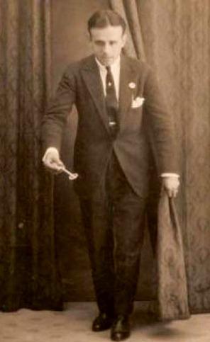 Manuel Vllejo con la llave de oro del cante