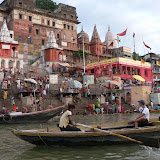 Dashaswamedh ghat : le ghat (escaliers menant à leau) principal