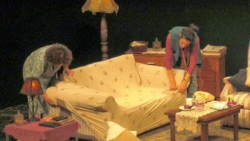 scenka iz spektaklya.jpg