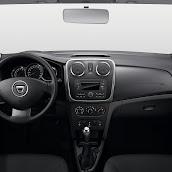 2014-Dacia-Logan-MCV-18.jpg