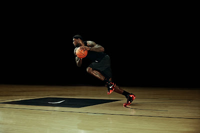 nike lebron 11 gr black red 6 01 nike inc Nike Introduces LEBRON 11 & Revolutionary Hyperposite Technology