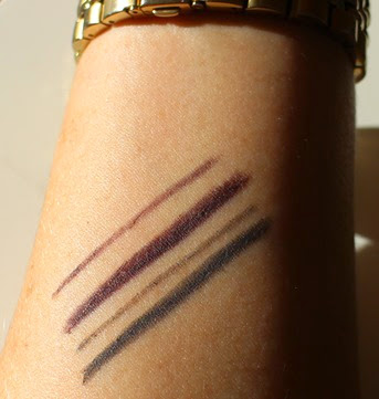 Burberry-Effortless-Kohl-Eyeliner-Storm-Grey,Pale-Grape-swatches