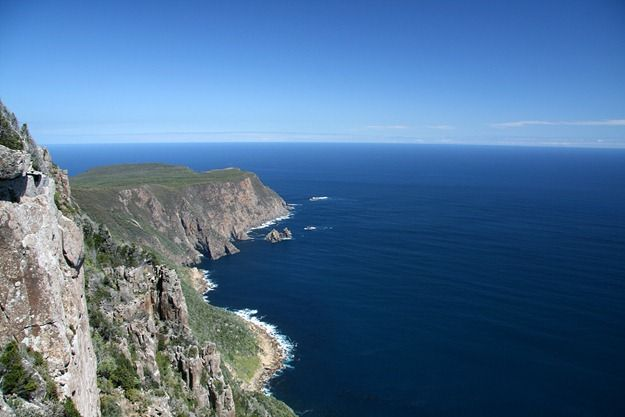 Cliffs of Cape Raoul walk tasmania 4