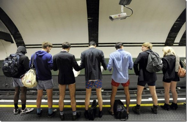 no-pants-subway-ride-23