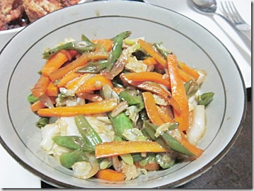 stir-frid veggies, 240baon