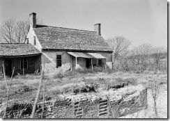 800px-Kingsmill_Plantation,_Dependencies,_Kingsmill_Pond_vicinity,_Williamsburg_vicinity_(James_City,_Virginia)