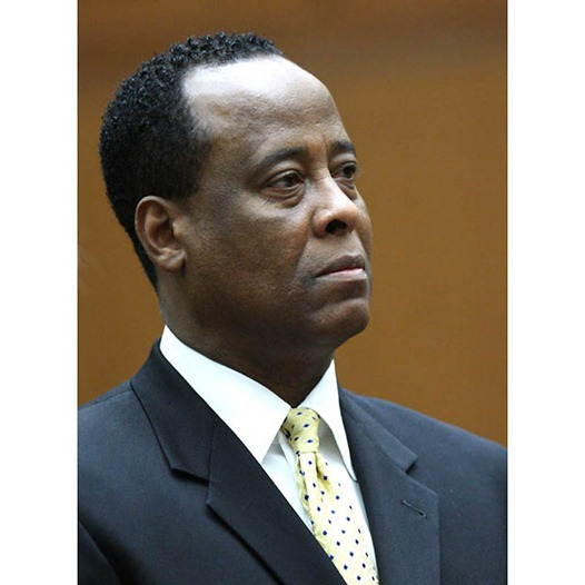Dr. Conrad Murray, accused of involuntary manslaughter in the death of Michael Jackson appears at a procedural hearing, Monday, April 5, 2010, at the Los Angeles Superior Court downtown Los Angeles. (AP Photo/David McNew, Pool)