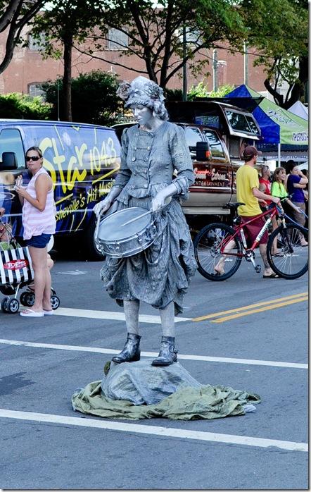 drummer statue (1 of 1)