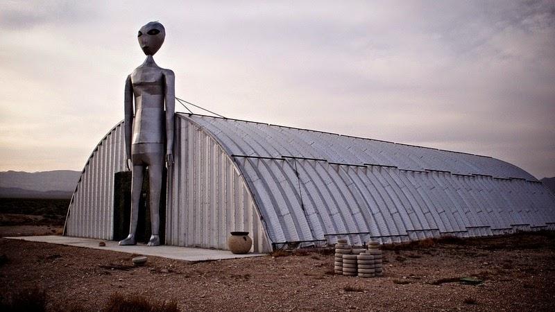 extraterrestrial-highway-7