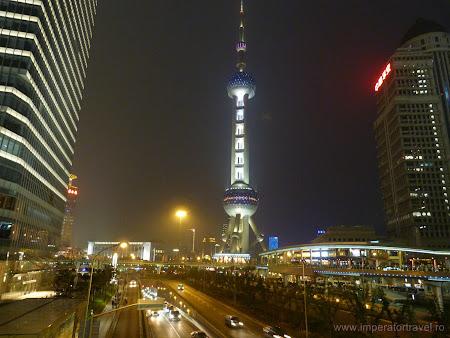 9. turnul de televiziune din Shanghai.JPG