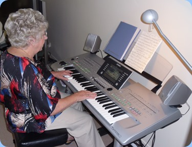 Our host for the day, Barbara Powell, playing her lovely Yamaha Tyros 3 keyboard