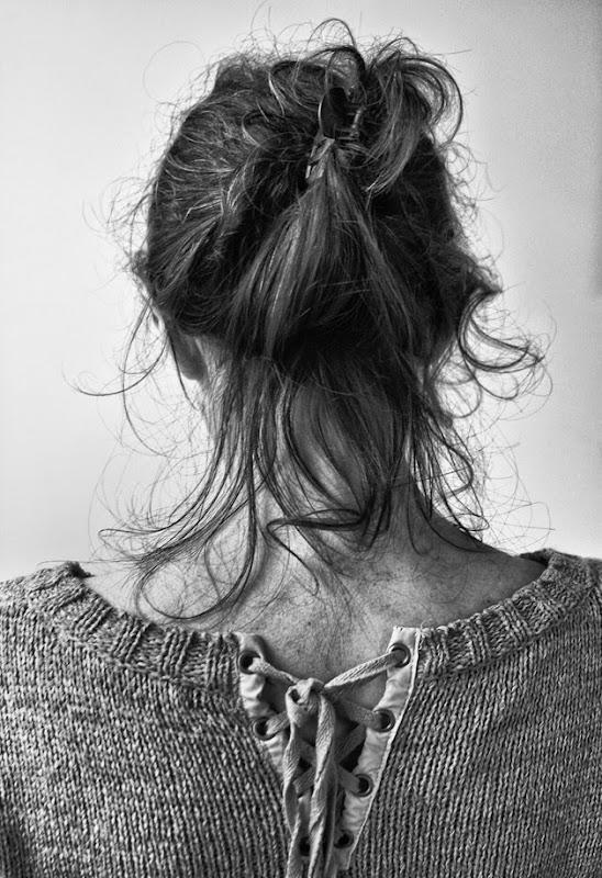 723 retrato de espaldas