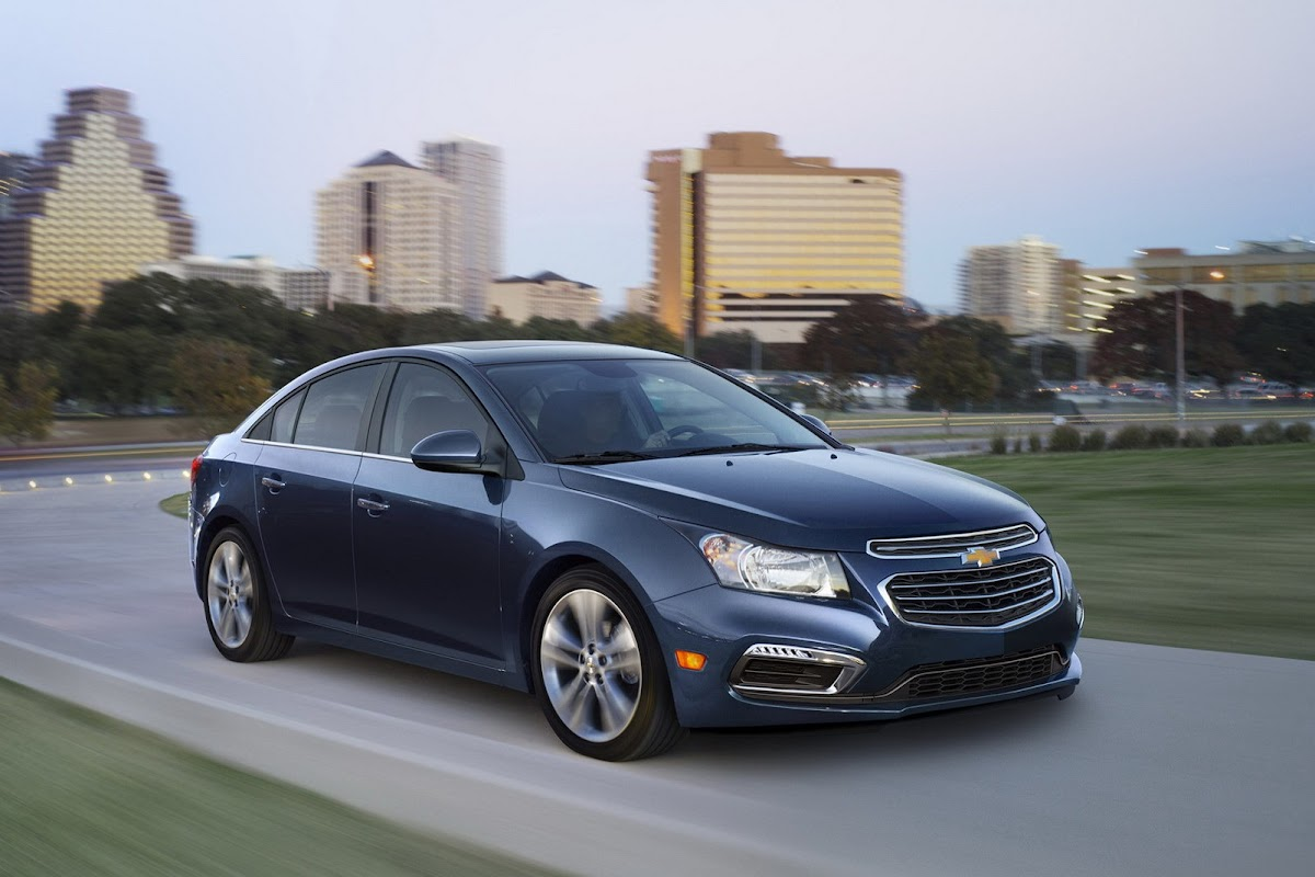 2015 chevrolet cruze mildly facelifted for new york auto show [w