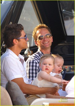 neil-patrick-harris-david-burtka-vacationing-in-st-tropez-02