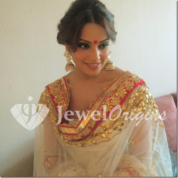 Bipasha_Basu_Amrapali_Earrings