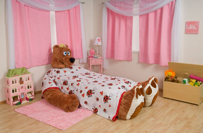 cool-and-funny-plush-kids-bed-from-Incredibeds-2