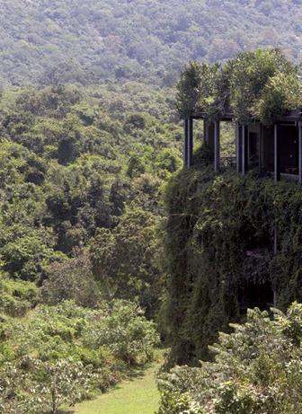 Geoffrey Bawa's Kandalama Hotel in Sri Lanka