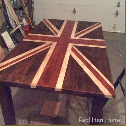 Red Hen Home Union Jack Table 9