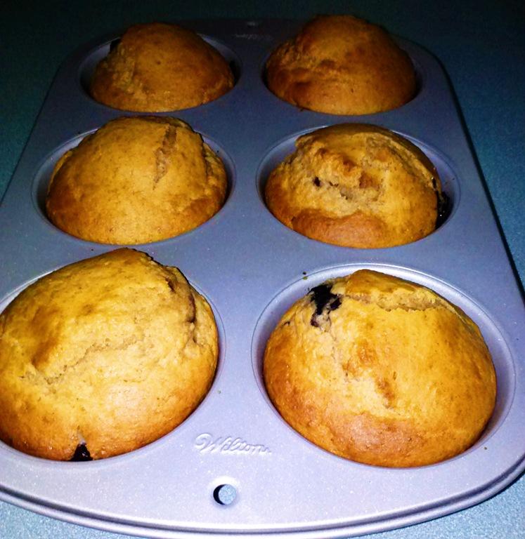 [MaggieLamarre-Banana-blueberrycupcakes%255B5%255D.jpg]