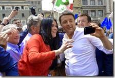Renzi fa i selfie