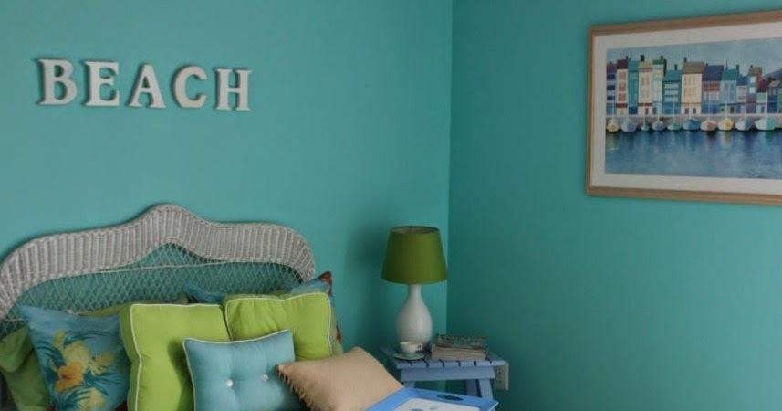 Beach themed bedrooms casual cottage for Beach theme bedroom ideas for girls