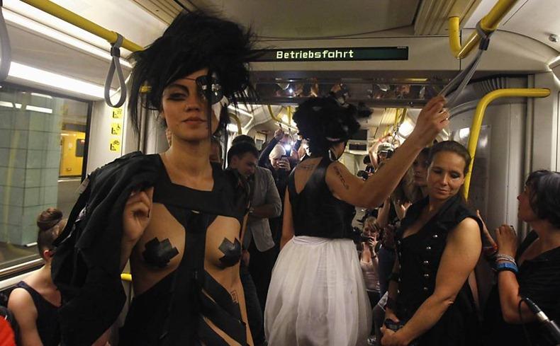 underground-catwalk-2011-12
