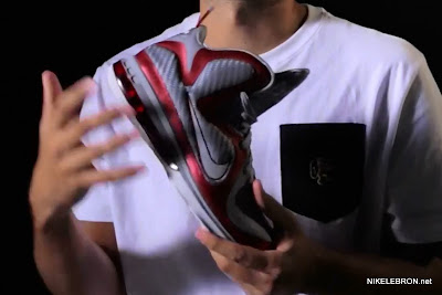 nike lebron 9 gr ohio state grey 1 04 LEBRON 9: Shoe Science Position Video. Ohio State 9s Unveiled.