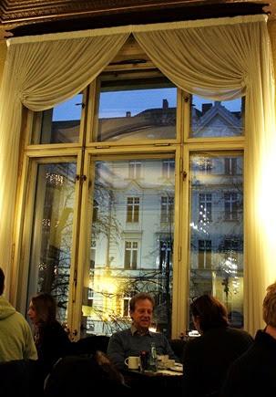 Cafe im Literaturhaus (c) Fiona Potter (6)