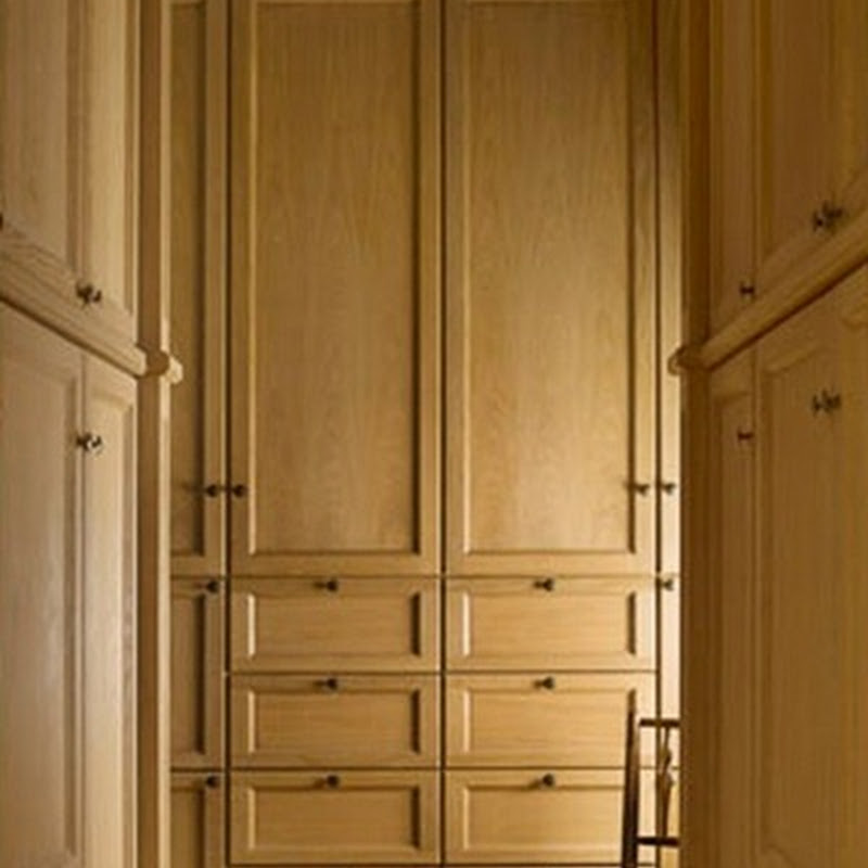 Bespoke closet cabinetry by Lefèvre Interiors