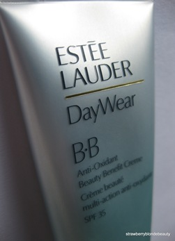 Estee Lauder BB Cream 01 Light (2)