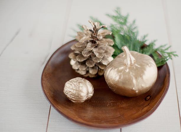 79ideas-gold-pumpkin-pinecone-walnut-effect