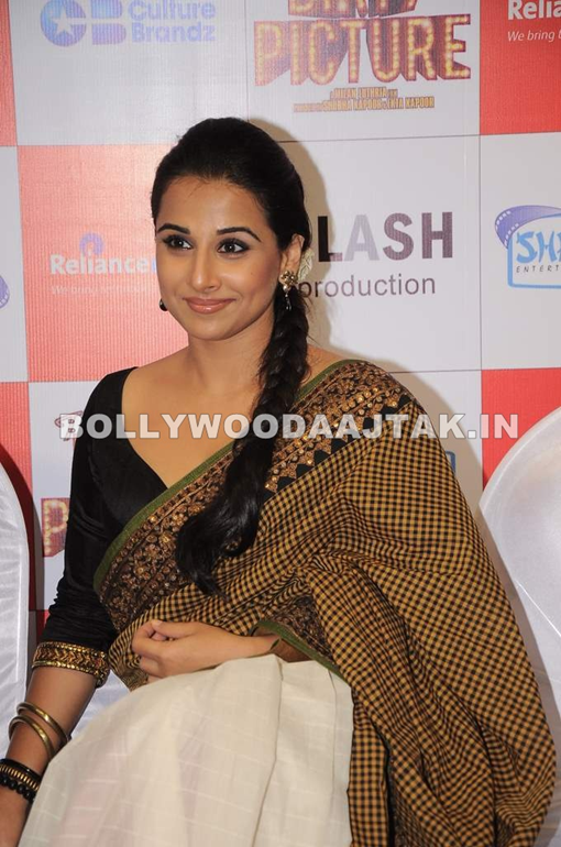 Vidya Balan & Tusshar Kapoor at The Dirty Picture DVD La