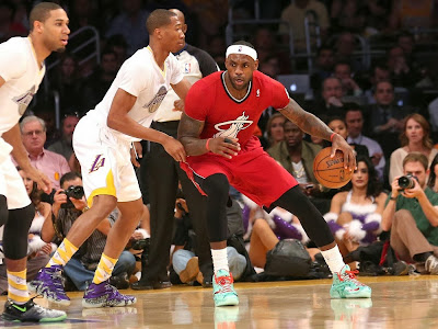 lebron james nba 131225 mia at lal 10 James Unwraps Christmas LeBron 11 Shoes in Win Over Lakers