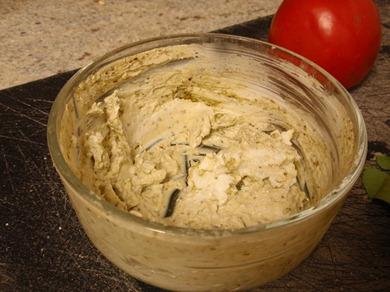 Pesto Yogurt Sauce 2
