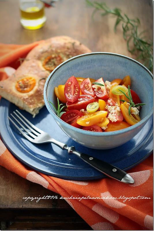 Focaccia z pomidorami,  oregano i rozmarynem (14)