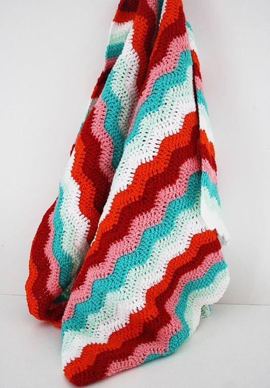 Candy-cane-rippled-blanket2