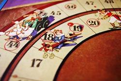 NACHGEMACHT - Spielekopien aus der DDR: Salto Mortale einer Unterhaltungsära - Zirkus Hoppla